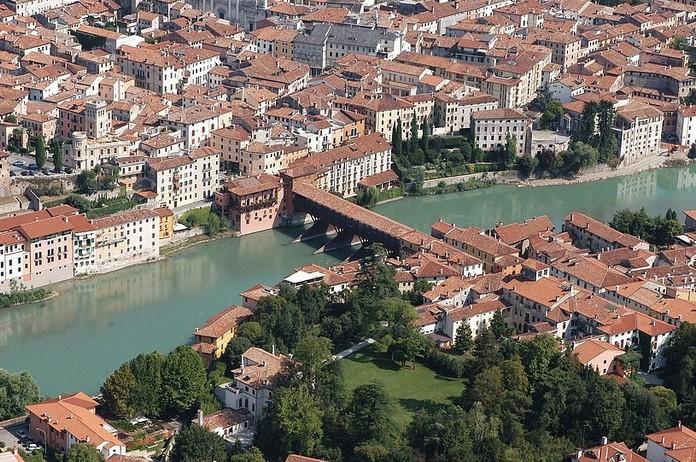 10 most beautiful towns in northern italy for Arredamenti bassano del grappa